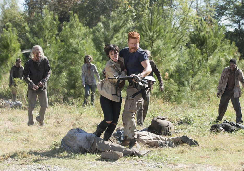 abraham saving alexandria punks on the walking dead 2015 images