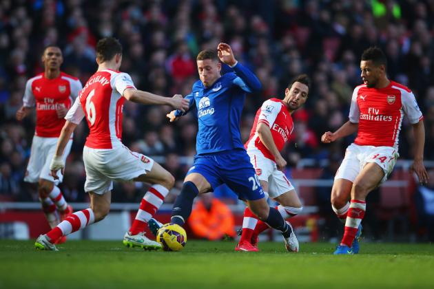 arsenal beats off everton premier league 2015 soccer