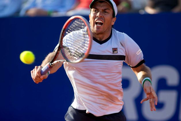 rafael nadal has carlos berlocq tennis balls in face at argentina open 2015