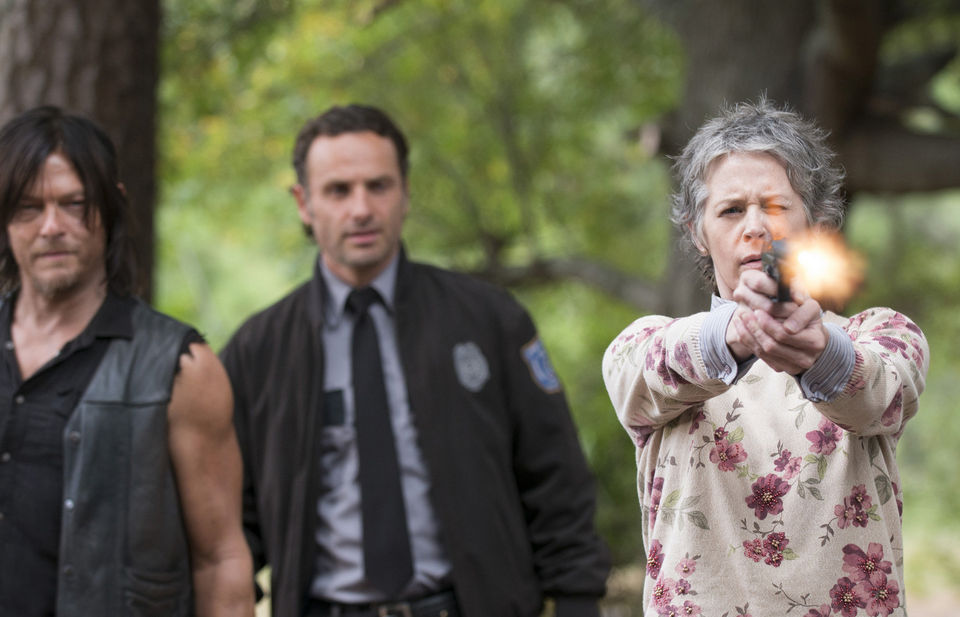 carol empties gun with daryl rick on the walking dead