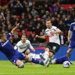 chelsea sinks soccer balls for tottenham cup 2015