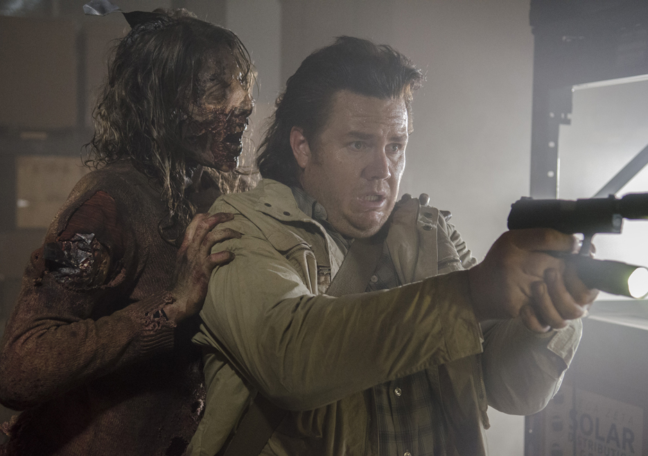 eugene fighting zombies on the walking dead spend 2015 images
