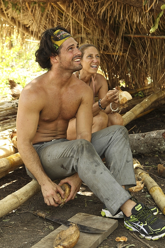 joaquin souberbielle with carolyn shirtless on survivor ep 2 images 2015