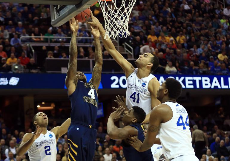 kentucky beats notre dame march madness