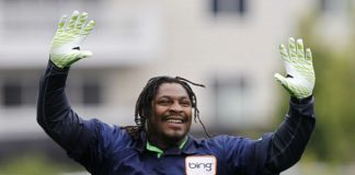 marshawn lynch staying with seattle seahawks nfl 2015