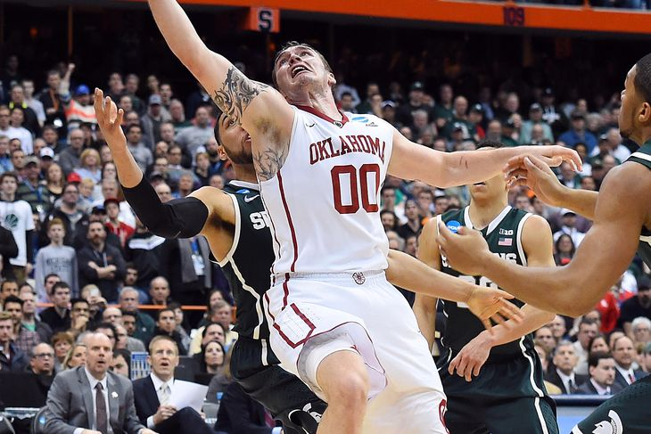 michigan state beats oklahoma sooners ncaa march madness 2015