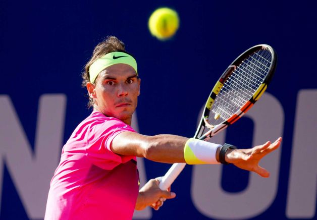rafael nadal has carlos berlocq tennis balls in face at argentina open 2015