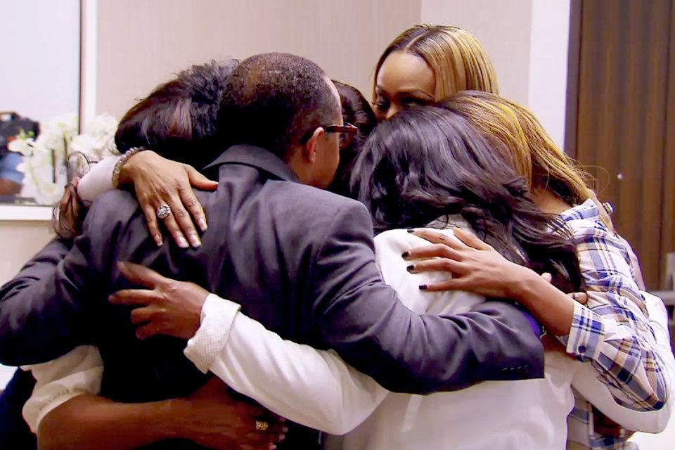 real housewives of atlanta group hug with nene leakes 2015