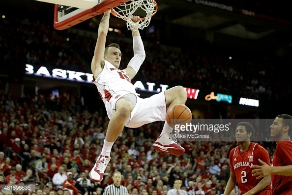 sam dekker bulge shows for university of wisconsin hottest unknown players 2015