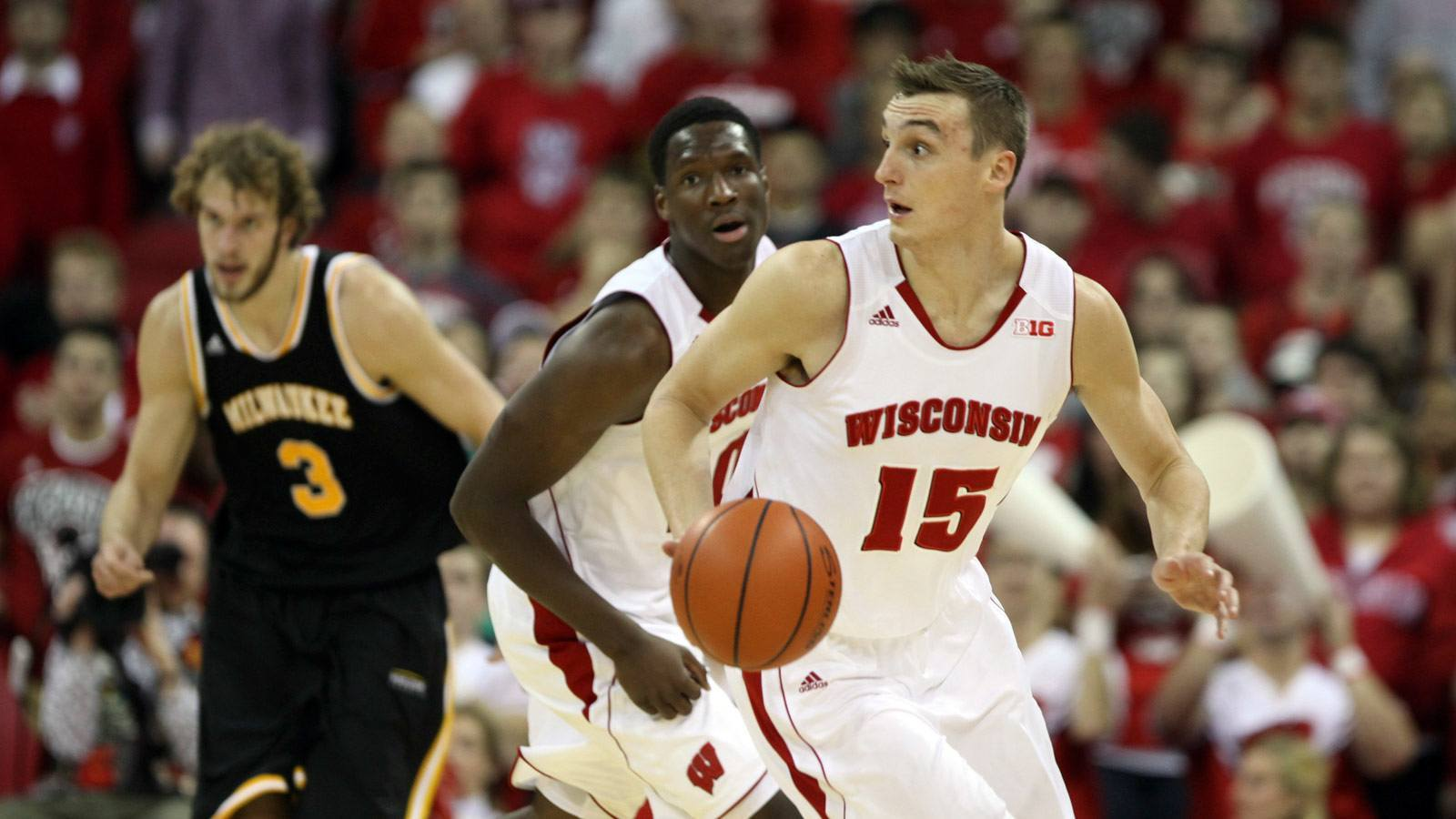 sam dekker playing with ncaa balls for college wisonsin hottest 2015