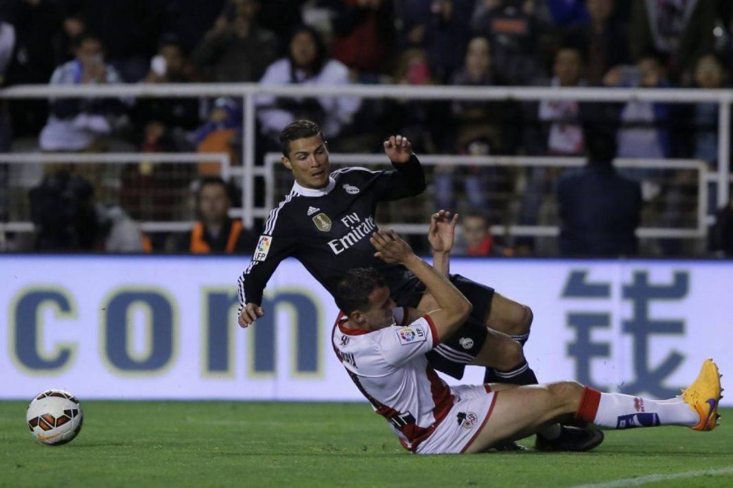 cristiano ronaldo man take down from eibar la liga images 2015