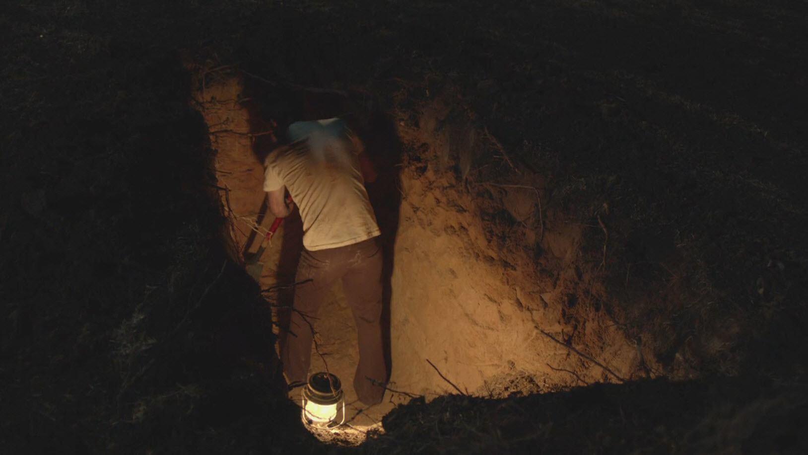 gordan clark digging hole in halt catch fire 2015 images