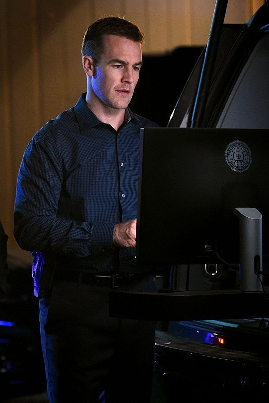 james van bare der beek back on csi cyber bottoming 2015