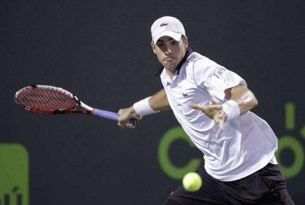 john isner takes out milos raonic to movie 2015 miami open quarter finales