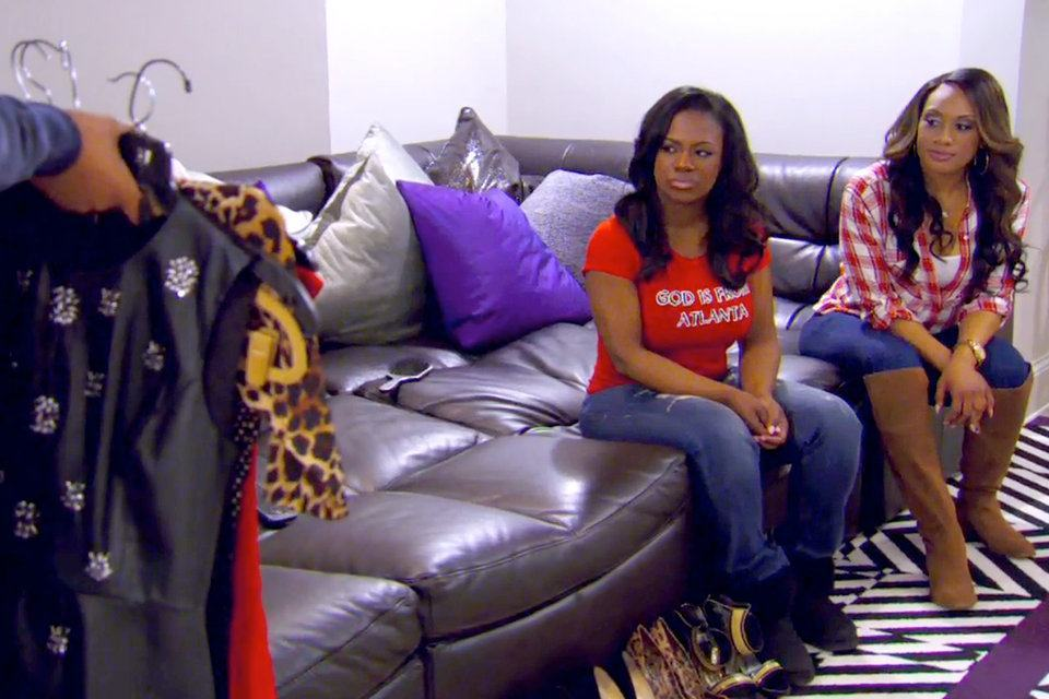 kandi stylist picking out clothes for real housewives of atlanta 2015