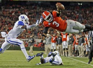todd gurley diving into end zone nfl 2015