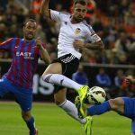 valencia beats off levante la liga 2015