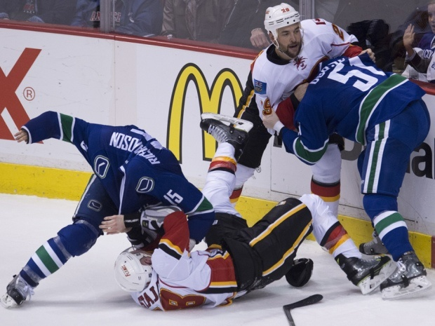 vancouver canucks beat off calgary flames
