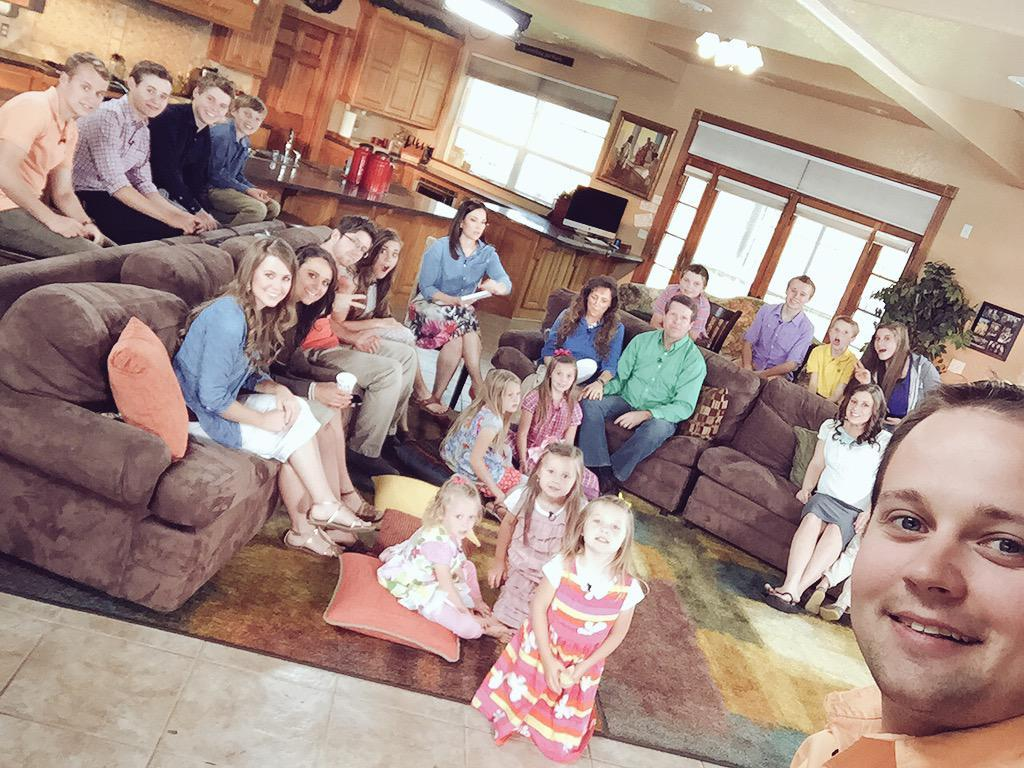 19 kids and counting josh duggar family of molesting 2015
