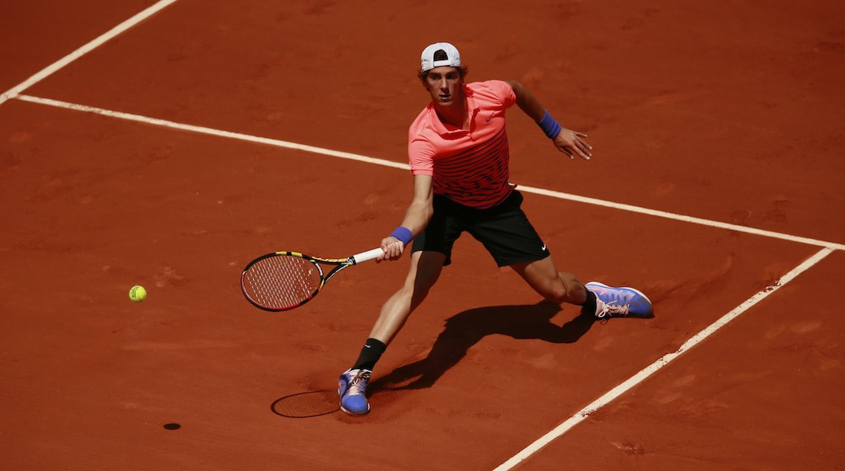thanasi kikkinakis loses to novak djokovic french open 2015