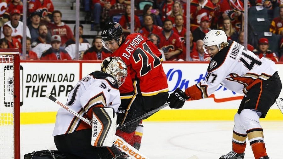anaheim ducks beat calgary flames 2015 stanley cup playoffs game 4