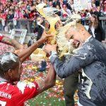 Bayern Munich lift third successive Bundesliga trophy