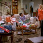 BIG BANG THEORY Ep 823: Mom's Collide For Finale