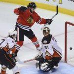 chicago blackhawks beat anaheim ducks stanley cup playoffs 2015