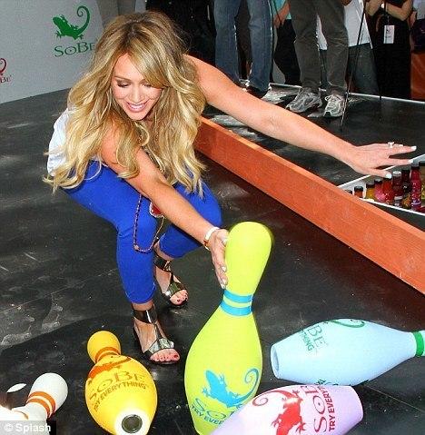 hillary duff bowling 2015 gossip