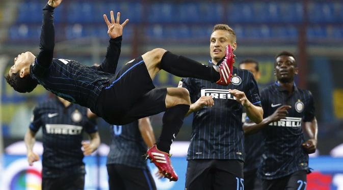 inter beats roma serie a soccer 2015