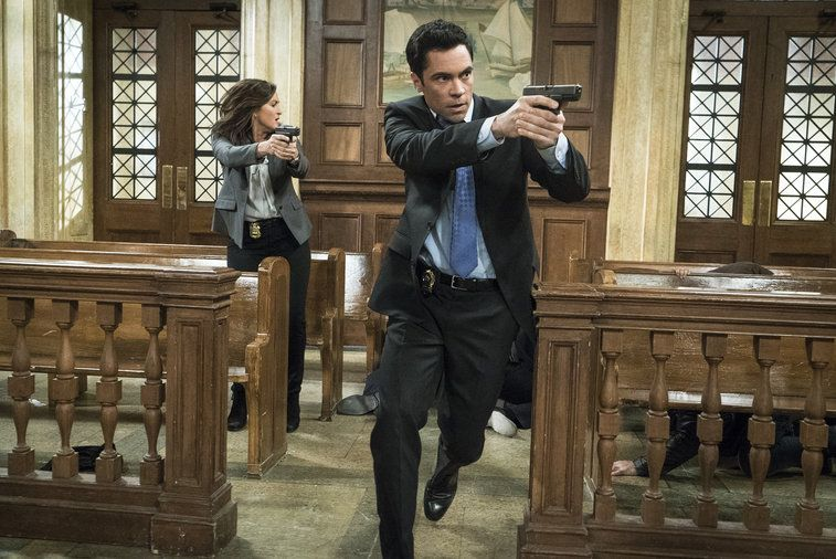 law order svu surrendering noah images 2015 757×506-001