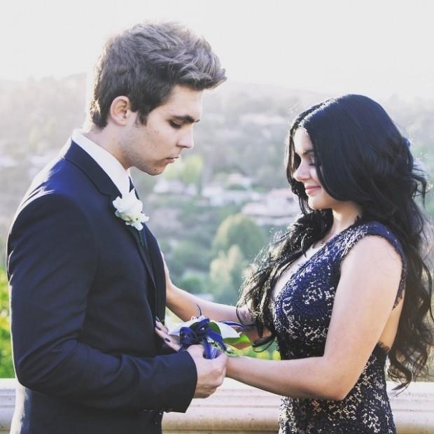 modern family ariel winter prom date bulge 2015 gossip