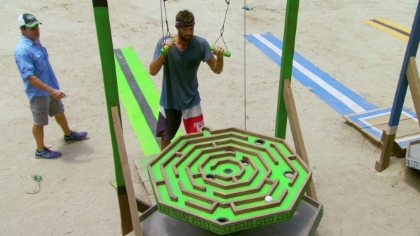 survivor worlds apart ep 11 dan out recap images 2015 596×335-010