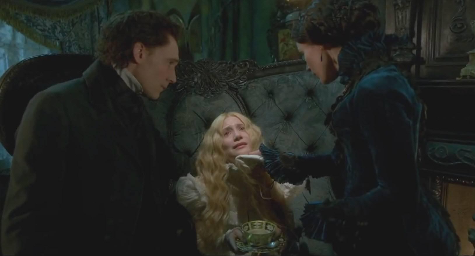 tom hiddleston jessica chastain in crimson peak 2015