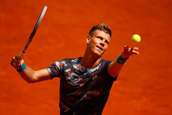 tomas berdych loses to roger federer 2015 italian open