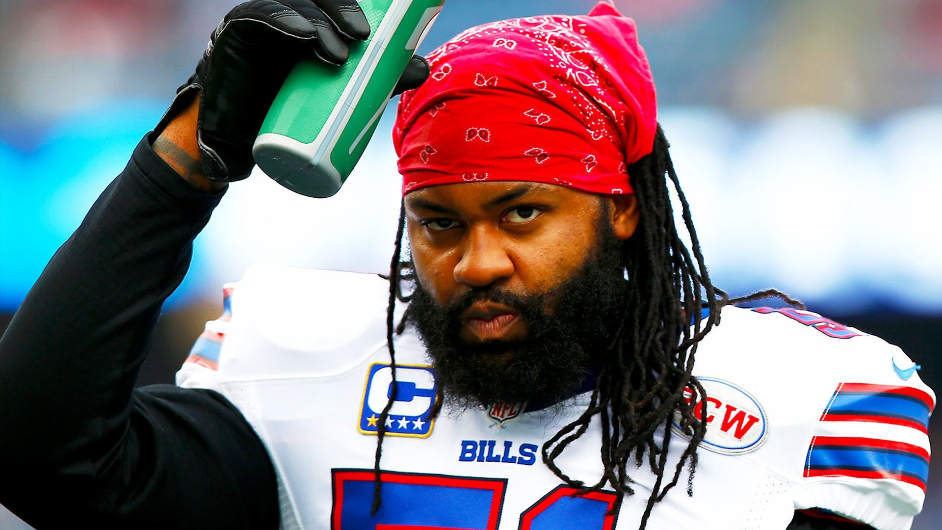 brandon spikes didnt learn from aaron hernandez 2015