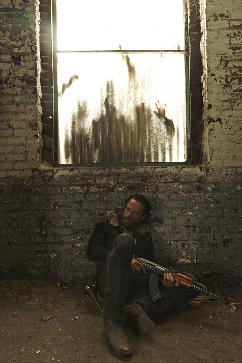 rick grimes walking dead season 5 wall 2015