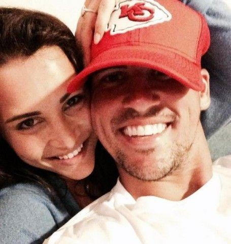 andi dorman makes fun of josh murray engagement 2015 bachelorette