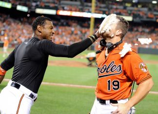 chris davis adam jones pie face american league winners week 19 2015