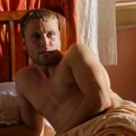 sense8-episodio6-demons wolfgang bed