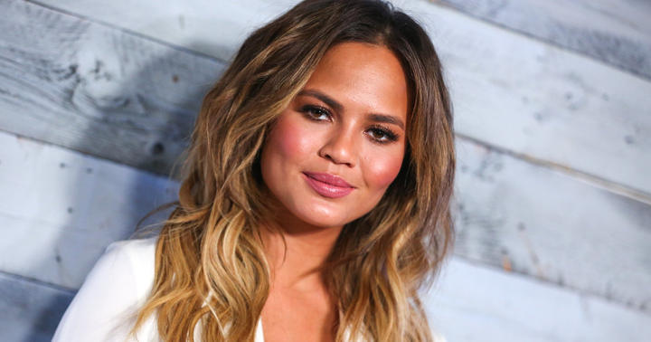 Chrissy Teigen not happy with peeple 2015 gossip