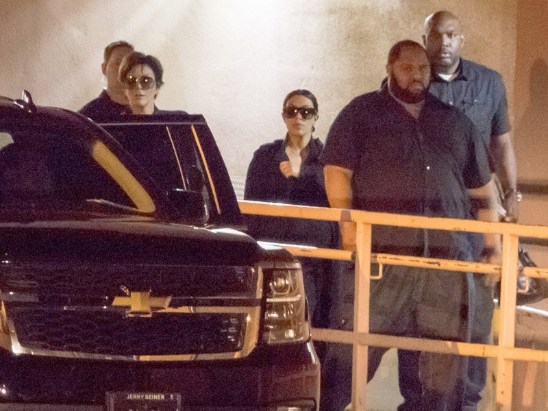 kardashian family leave hospital of lamar odom 2015