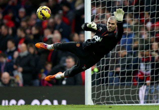 unfortunate case of victor valdes soccer news 2015 images