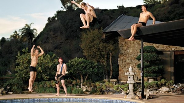 5 seconds of summer bulge shots in pool 2015 gossip