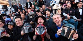 A Star Wars VII The Force Awakens Fanboys Reaction Review 2015 images