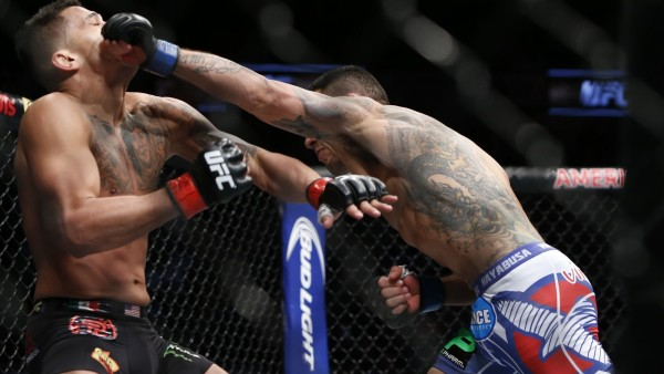 Rafael dos Anjos vs anthony pettis 2015 images