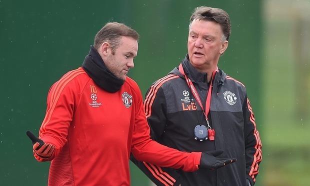 Wayne Rooney Manchester United working hard 2015 images