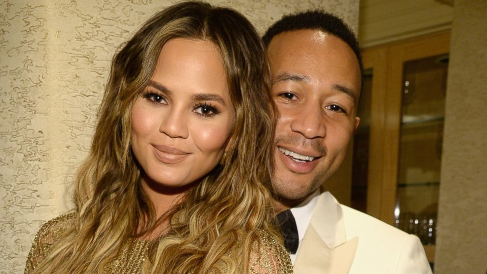 chrissy teigen john legend unveil baby girl for christmas 2015 gossip
