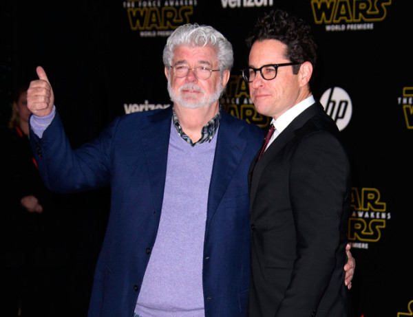 george-lucas-and-j-j-abrams star wars premiere force awakens 2015