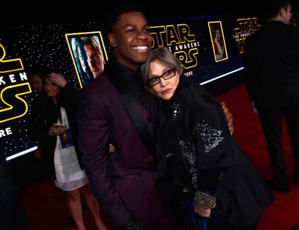 john-boyega-and-carrie-fisher star wars premiere force awakens 2015